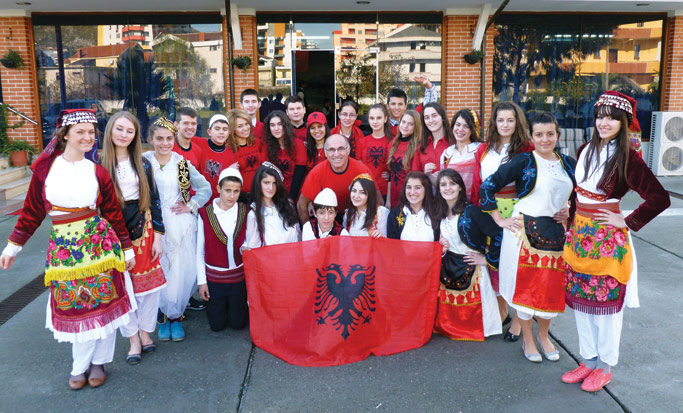 Albanian students and Dini