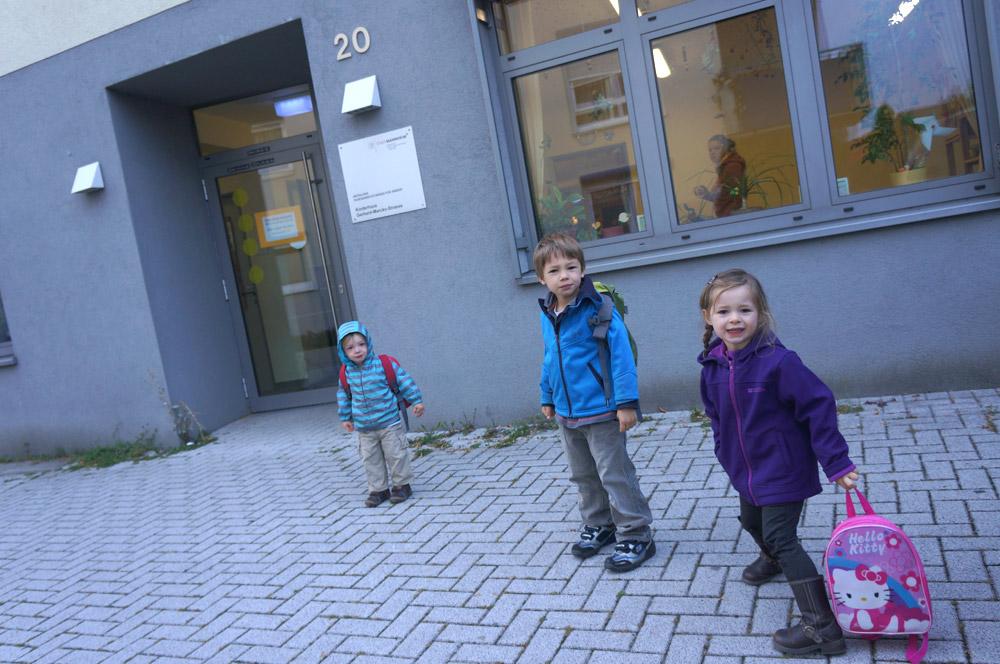 The Stutzman kids going to Kindergarten